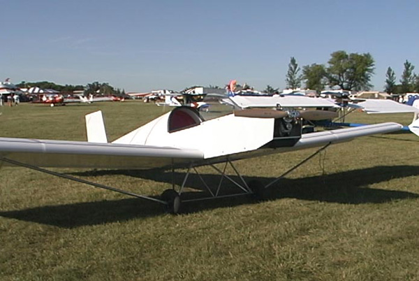 Two Place Ultralight Aircraft http://ultralightnews.com/airv98/airventure_eureka.htm