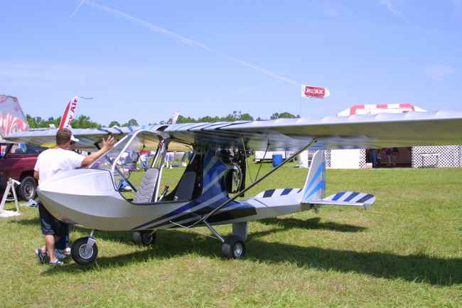 Two Place Ultralight Aircraft http://ultralightnews.com/ulbg2/u.s.lightaircraft-hornet.htm